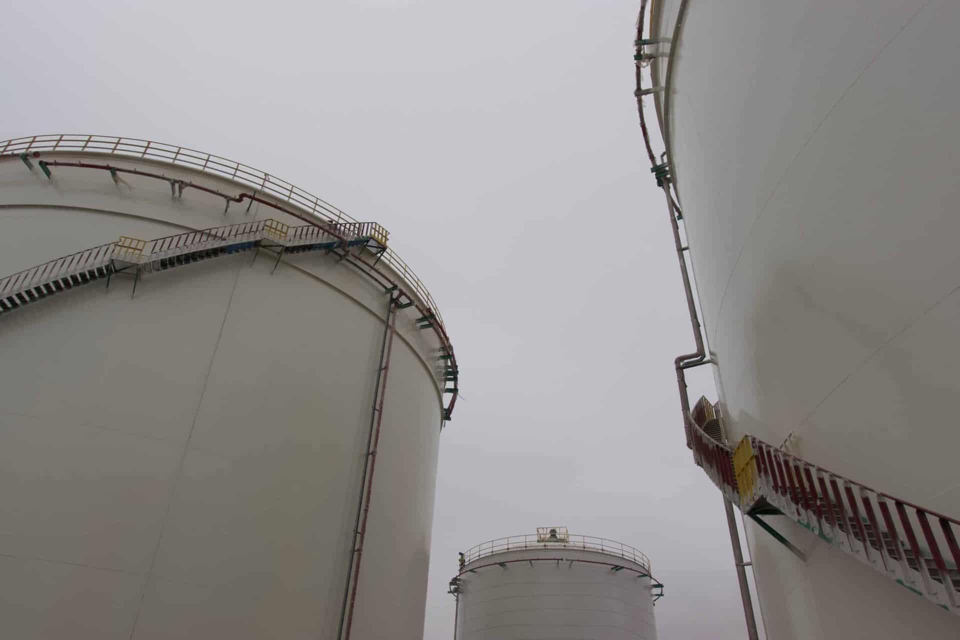 Corporación Monte Azul - Terminar de combustible liquido - Facilidades de almacenamiento - ¿Por qué Monte Azul Mollendo es el terminal más eficiente y seguro del Perú?